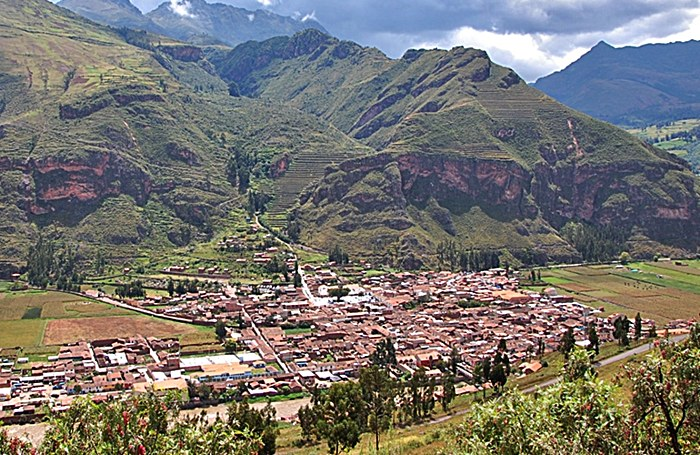 Pisac: Sacred Valley of the Incas